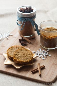 Pain epice en bocal - ©Sandra Pascual-4217 Gourmet Recipes, Sweet Recipes, Sos Recipe, Cake Mug, Cake In A Jar, Xmas Food, Cookie Exchange, Vegan Desserts, Biscuits