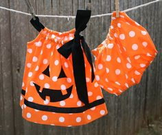 Items similar to Infant or Toddler Jack o Lantern Pillow Case Dress dress with matching Bloomers on Etsy Unique Halloween Costumes, Halloween Tricks, Halloween Ideas, Halloween 2017, Halloween Outfits, Costume Ideas, Halloween Party, Little Girl Dresses, Girls Dresses
