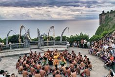 This is a half day private tour to explore the amazing Uluwatu Temple at sunset. After watching the hypnotic kecak dance, we will bring you to taste Bali's freshest seafood at an ocean front BBQ restaurant in Jimbaran Bay.