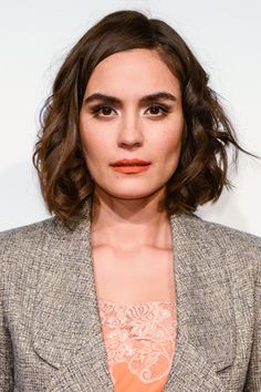 Celebrities We Miss: Shannyn Sossamon :: her hair! Stunningly Beautiful, Young And Beautiful, Hair Inspo, Hair Inspiration, Shannyn Sossamon, Thick Eyebrows, Good Hair Day, Hollywood Stars, The Ordinary