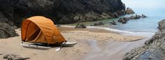 Kahuna Outrigger Canoe / Tent concept by Mario Weiss and Damian Fankhauser. Camping In Tennessee, Camping In Ohio, Camping Needs, Kayak Camping, Colorado Springs Camping, Hobie Kayak, Industrial Design Portfolio, Tree Tent, Outrigger Canoe