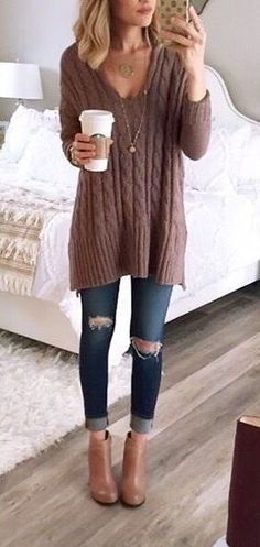 summer outfits Brown Knit + Destroyed Skinny Jeans