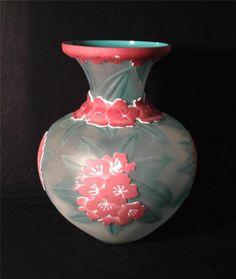**HUGE Pilgrim Kelsey Murphy 4 Layer Cameo Art Glass Vase WOW**