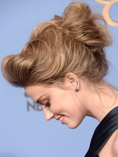 Amber Heard hair and makeup at the Golden Globes 2014 - celebrity beauty trends - Cosmopolitan.co.uk