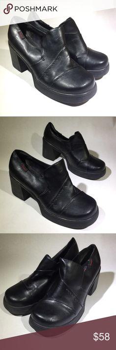 e4e8f0f37a7 2000s Black Chunky Faux Leather Platform Loafers 2000s Black Chunky Faux Leather  Platform Loafers