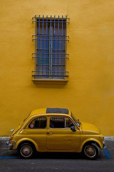 Dream Cars Vintage Fiat 500 Ideas For 2019 Yellow Car, Yellow Submarine, Yellow Walls, Mellow Yellow, Blue Yellow, Mustard Yellow, Blue Cars, Yellow Doors, Fred Instagram