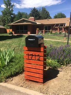 New Contemporary Mailbox Design With Extra Large Mailbox - Ceramicscapes Wooden Mailbox, Large Mailbox, Diy Mailbox, Mailbox Ideas, Mailbox Landscaping, Outdoor Landscaping, Outdoor Decor, Landscaping Ideas, Mulch Ideas