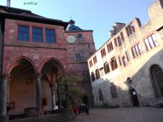 Mentioned for the first time in the 12th century, the Heidelberg castle is a famous landmark of the city. It was only partially rebuilt following its successive destruction in the 17th and 18th century. It can be reached by foot or by the funicular railway. The complex hosts nowadays the Museum of Pharmacy.