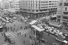 Santafé de Bogotá - Av Jimenez con Carrera 7ª en los años 60. Foto compartida por Andrés Navarrete. Liverpool, Cities, Dolores Park, Street View, Random, Travel, Bogota Colombia, Social Science, Antique Photos