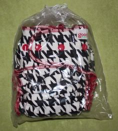 Goodmama Houndstooth with red