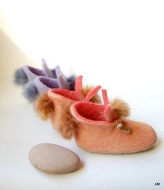 Kids bunny shoes Peach slippers for girl felted wool