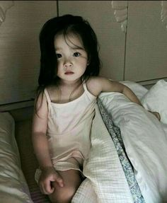 ideas fashion kids outfits boys for 2019 Cute Asian Babies, Korean Babies, Cute Babies, Cute Little Baby, Cute Baby Girl, Little Babies, Fashion Kids, Fashion Hair, Baby Pictures
