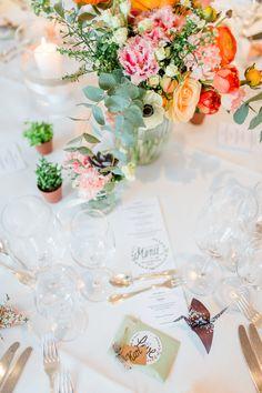 #tischdeko #tablescape Berührende DIY Hochzeit in Apricot und Grün | Hochzeitsblog - The Little Wedding Corner