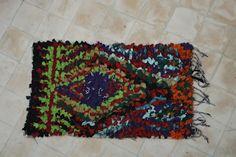 Authentic Moroccan carpet 65x105 cm ref OH03-02