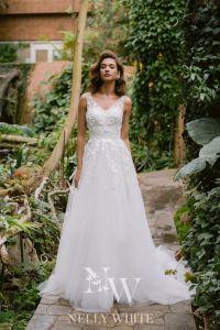 Dress Rental, Marry Me, Breeze, Wedding Dresses, Bride Dresses, Fashion, Buy Wedding Dress, Renting, Dress Wedding