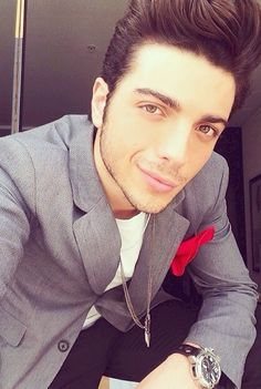 ⭐️IL VOLO⭐️ Gianluca Ginoble - 19 years old selfie..seems too good to be true.. But he is!