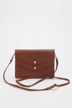 urban outfitters - deena and ozzy snap clutch