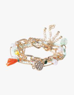 Set of five fine bracelets
