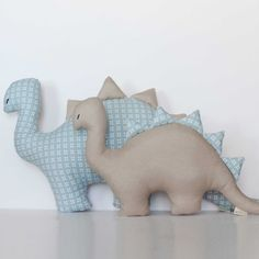 Children's cushions - Blue Dinosaur Cushion - a unique product by TIPI-TOO on DaWanda Small Pillows, Decorative Cushions, Diy Pillows, Sewing Stuffed Animals, Stuffed Toys Patterns, Fabric Toys, Fabric Crafts, Kids Headbands, Baby Sewing Projects