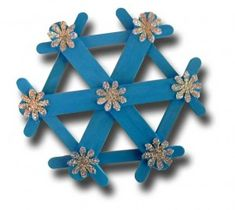 popsicle stick star5 - using both large sticks and standard sticks and decorations