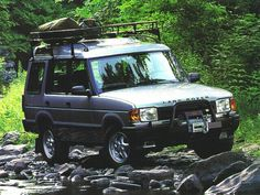 Land Rover Discovery. Tarted up and ready for a safari.