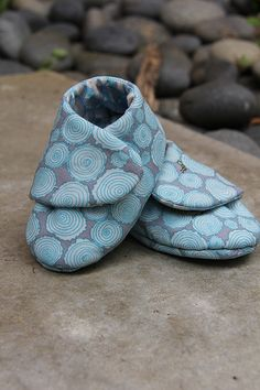 Cutie Booties  #sewing #baby  #shoes