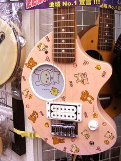 guitarra de Rilakkuma? de verdad? o.o