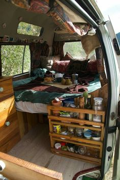 van life camping - non sustainable setup Camper Life, Rv Campers, Small Campers, Van Life, Camping Car Van, Camping Hacks, Minivan Camping, Lake Camping, Camping Packing