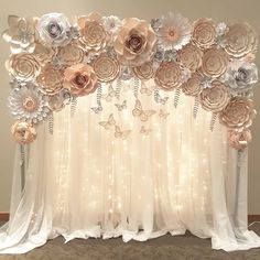 Second backdrop of the day paperflowers handmade paper paperflorist paperflowersbackdrop floresdepapel hechoamano quinceañera partydecoration homedecor papercraft crafting flowerwall northcarolina Quince Themes, Quince Decorations, Birthday Decorations, Baby Shower Decorations, Wedding Decorations, Quince Ideas, Quinceanera Planning, Quinceanera Themes, Diy Quinceanera Decorations