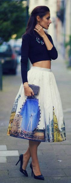Street style printed skirt and crop top