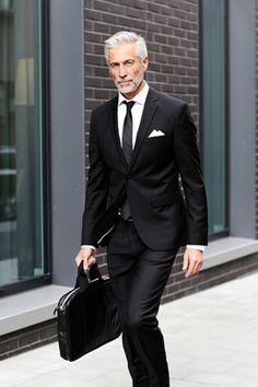Gentleman style old man fashion, mature fashion, luxury fashion, mens fashi Older Mens Fashion, Old Man Fashion, Mature Fashion, Mens Fashion Suits, Mens Suits, Men's Fashion, Luxury Fashion, Fashion Bags, Gentleman Mode