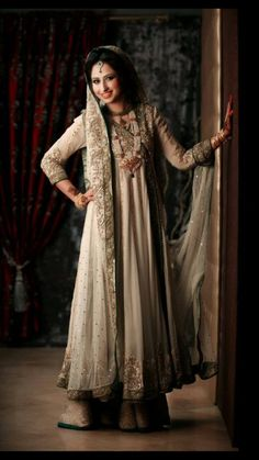 beautifulsouthasianbrides:  Bride's Outfit by:Sara Rohale Asghar  Nice valima dress