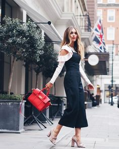 "Gefällt 23.1 Tsd. Mal, 309 Kommentare - Lydia (@lydiaemillen) auf Instagram: ""The @mulberryengland show was incredible! I loved every moment, now off to the @temperleylondon…"""