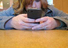 Confira 7 sinais de que você virou refém do celular - Notícias - Cotidiano - Administradores.com