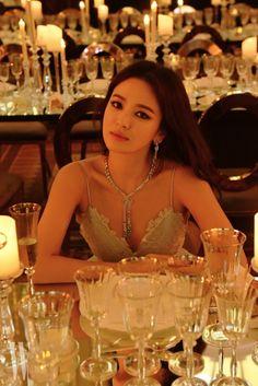 Song Hye Kyo at Chaumet Event in Paris Korean Actresses, Korean Actors, Korean Beauty, Asian Beauty, Monaco, Korean Girl, Asian Girl, Songsong Couple, 30s Fashion
