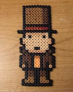 A beaded Professor Layton Melty Bead Patterns, Hama Beads Patterns, Beading Patterns, Perler Beads, Fuse Beads, Geek Perler, Pony Beads, Bead Art, Pixel Art