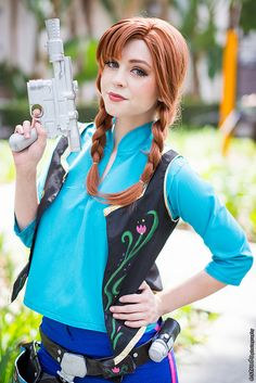 Anna Solo at Wondercon 2015 Disney Cosplay, Disney Costumes, Frozen Cosplay, Halloween Costumes, Casual Cosplay, Cosplay Dress, Cosplay Costumes, Run Disney, Disney Star Wars