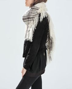 obsessed with this scarf from Zara. scarves are probably my favorite fall/winter accessory, i can't get enough of them!