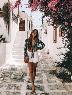 Outfits, spring style, cute vacation outfits, travel outfit summer, outfits f Cool Summer Outfits, Trendy Outfits, Girl Outfits, Fashion Outfits, Europe Outfits Summer, Beach Outfits, Europe Travel Outfits, Girl Fashion, Casual Summer