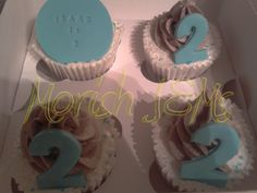 #vanilla #cupcakes with #vanilla and #chocolate #frosting