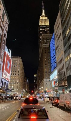 New York Life, Nyc Life, City Aesthetic, Travel Aesthetic, Ville New York, Empire State Of Mind, City Vibe, City That Never Sleeps, Dream City