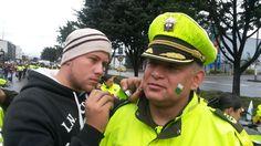 Los ciudadanos, cercanos a nuestro servicio policial en el desfile del #20DeJulio