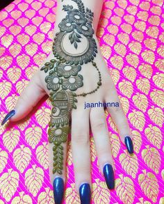 Latest Simple Arabic Mehndi Designs for Back Hand 2020 Mehndi Designs Book, Finger Henna Designs, Simple Arabic Mehndi Designs, Mehndi Designs For Beginners, Modern Mehndi Designs, Mehndi Designs For Girls, Mehndi Design Pictures, Wedding Mehndi Designs, Mehndi Designs For Fingers