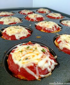 """*minus breadcrumbs, Parmesan, and use fat free cheese* Emily Bites - Weight Watchers Friendly Recipes: Chicken Parmesan Meatloaf """"Muffins"""". Could also use ground turkey that's fat free. Ww Recipes, Low Carb Recipes, Cooking Recipes, Healthy Recipes, Recipies, Muffin Tin Recipes, Loaf Recipes, Muffin Tins, Healthy Baking"""