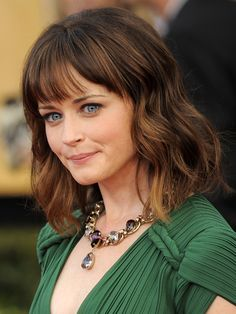Rory Gilmore, Gilmore Girls, Alexis Bledel, Fringe Hairstyles, Wedding Hairstyles, Colored Highlights, Beautiful Redhead, Girl Crushes, Shoulder Length