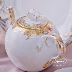 1 pc – Tea Pot with Butterfly Knob – vol 7.5 dl (25 OZ) 1606-0-17 A-ETOR - Herend Porcelain.