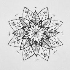#mayoasha #pentekening #mandala #zentangle #doodle #zwartwit #zen #mindfulness #love #inkt @mayoasha