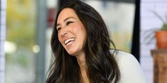 Where Does Joanna Gaines Shop for Antiques? - Chip and Joanna Gaines' Favorite Antiques Joanna Gaines House, Joanna Gaines Farmhouse, Chip And Joanna Gaines, Joanna Gaines Bedding, Chip Gaines, Fixer Upper Joanna, Joanne Gaines, Favorite Paint Colors, Linen Spray