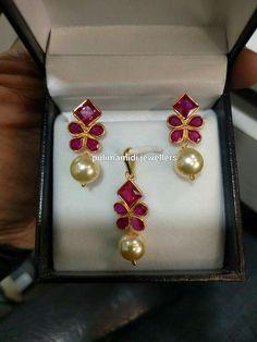 Buy discount women earings in Pakistan at Oshi.pk. Book Online comport earings in Karachi, Lahore, Islamabad, Peshawar and All across Pakistan