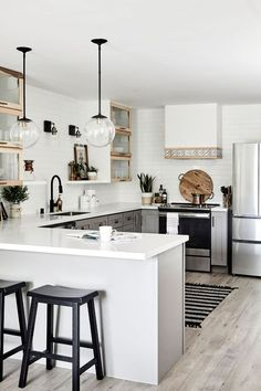 Best Kitchen Design Ideas To Inspire You - chic boho kitchen interior design idea - Apartment Kitchen, Apartment Interior, Home Decor Kitchen, Home Decor Bedroom, New Kitchen, Kitchen Ideas, Awesome Kitchen, Apartment Design, Boho Kitchen